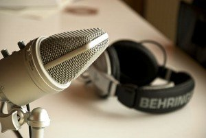 7 Superior Podcasts for Super Listeners Eyeing the Big Picture